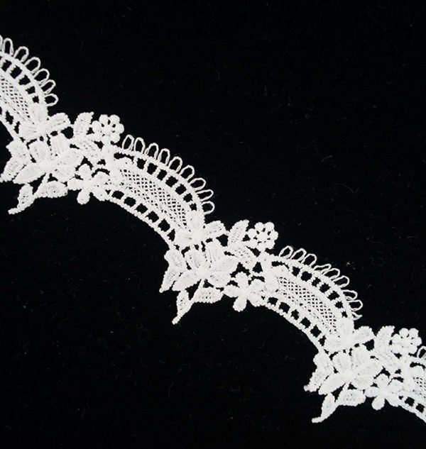 White Lace Trim with Arc Angle 1