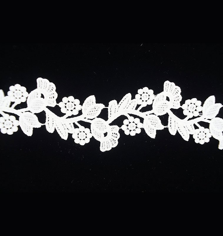 White Lace with Tulip Pattern
